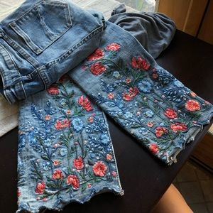 RARE Sundance / Driftwood embroidered jeans